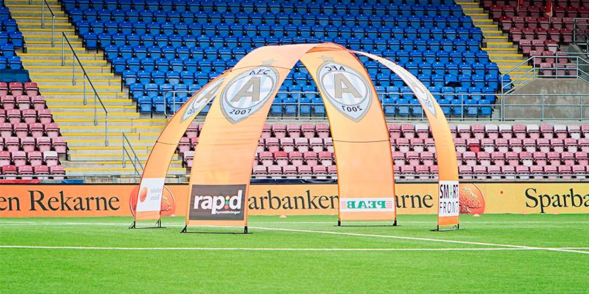 Bannerbow display voor sportevents
